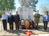 возложение венков к памятнику в п. Садовый