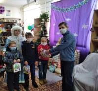 Вручение Новогодних подарков детям!