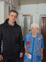 Вручение медали труженице тыла - Фадеевой Клавдии Матвеевне