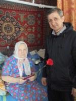 Вручение медали труженице тыла - Федоровй Любовь Леонтьевне